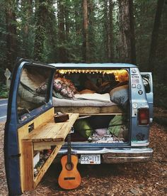 the best designs of vans for camping and adventure in the woods and snow - Camper Life Bus Life, Camper Life, Kangoo Camper, Kombi Home, Combi Vw, Van Home, Hippie Life, Hippie Bohemian, Bohemian Style