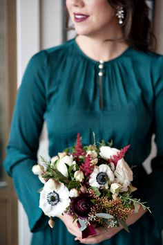 Anemone Bouquet, Anemones, Winter Wedding Flowers, Christmas Aesthetic, Wedding Photography, Photography Flowers, Christmas Traditions, Christmas Wedding, Traditional Tabletop