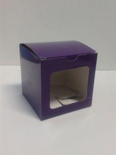 Caja de cartón con ventana 10x10x10 en colores surtidos. #CajaDeRegalo #ManualidadesCali #ManualidadesPereira
