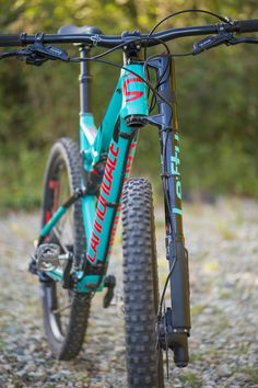 There are many different kinds and styles of mtb that you have to pick from, one of the most popular being the folding mountain bike. The folding mtb is extremely popular for a number of different … Bicicletas Cannondale, Cannondale Bikes, Cannondale Mountain Bikes, Cannondale Lefty, Bike Chopper, Motocross, Mongoose Mountain Bike, Montain Bike, Cars