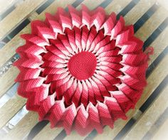 Crocheted Cushion Cover Crochet Cushion Cover, Crochet Cushions, Quilts, Blog, Crafts, Manualidades, Crochet Pillow, Patch Quilt, Kilts
