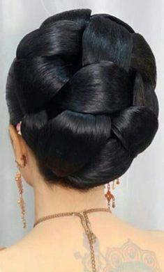 Bun Hairstyles For Long Hair, Indian Hairstyles, Girl Hairstyles, Wedding Hairstyles, Super Long Hair, Big Hair, Brunette Beauty, Hair Beauty, Indian Hair Cuts