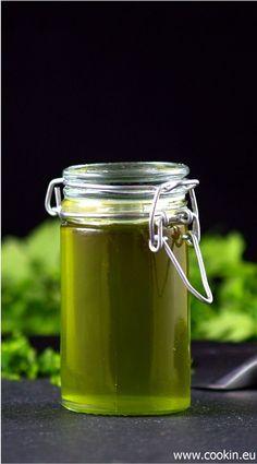 Kräuteröl - Petersilienöl und alle Grundlagen die man braucht, um Kräuteröl selber herzustellen