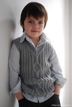 Ecco un gilet di maglia ai ferri per i nostri piccoli con un motivo di trecce chi è adatto a tutte le età. fonte:http://www.microsoftt