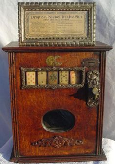 Antique Poker Slot Machine ... drop in your nickel and play! #pokerplayers #gambling