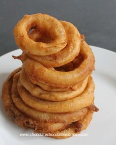 Beer battered Deep Fried Onion Rings the right oil and the right onion make all the difference!  #VidaliaOnions #SweetOnions