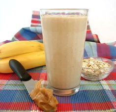 Peanut Butter Oatmeal Smoothie Recipe - I didn't have bananas so used about a tablespoon of my favorite jelly to add some sweetness to it. Also used about a tablespoon of plain nonfat yogurt to thicken it up a bit. It was delicious! Smoothie Recipes For Kids, Smoothies For Kids, Apple Smoothies, Oatmeal Smoothies, Breakfast Smoothies, Healthy Smoothies, Healthy Drinks, Healthy Food, Homemade Smoothies