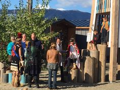 """Emily Andrews on Twitter: """"Lovely scenes as Kate and William chat to the kids who did the """"Raven dance"""" for them in Carcross #RoyalVisitCanada https:/t.co/8qwrLpPXE7"""""""