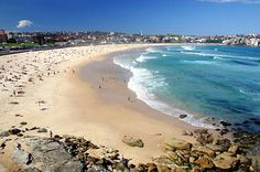 Sydney Bondi Strand is a very well known beach in Australia.