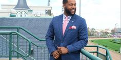 Stylish and Bold: Men's Derby Fashion with @vineyardvines!