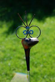 garden art from recycled materials