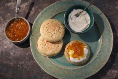 Moroccan crumpet with clementine jam.