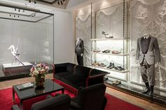 Before you buy a bespoke suit, take a look at our guide to Savile Row's best tailors. Here we look at Alexander McQueen, located at 9 Savile Row, London Commercial Design, Commercial Interiors, Alexander Mcqueen, David Collins, Luxury Store, Fashion Wallpaper, Wallpaper Magazine, Savile Row, Retail Space