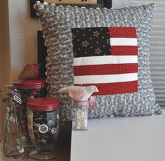 flag pillow could easily be modified into a Texas flag; good starter project