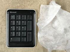 Klebriger Kunststoff: Klebende Oberflächen säubern Computer Keyboard, Clever, Tips, Autos, Organization, Popular Pins, Remote, Cool Ideas, Home Remedies