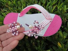 Children's slipper decorated with beautiful colorful butterfly! By Maguida Silva! Bling Flip Flops, Beaded Shoes, Beaded Sandals, Beaded Jewelry Patterns, Beading Patterns, Kids Slippers, Beaded Crafts, Shoe Pattern, Baby Boy Shoes