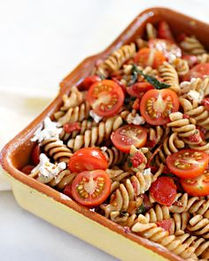Antipasto Pasta Salads, Creamy Pasta Salads, Greek Salad Pasta, Summer Pasta Salad, Easy Healthy Recipes, Veggie Recipes, Salad Recipes, Happy Foods, Recipes For Beginners