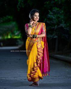Beautiful Marathi bride looks stunning in bridal wear Maharashtrian Saree, Marathi Saree, Marathi Bride, Marathi Wedding, Saree Wedding, Wedding Saree Blouse Designs, Half Saree Designs, Saree Wearing Styles, Saree Styles