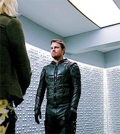 Oliver Queen and Felicity Smoak in Crisis on Earth-X