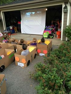 Funny pictures about Kids' Drive-In Movie. Oh, and cool pics about Kids' Drive-In Movie. Also, Kids' Drive-In Movie photos. Parenting Done Right, Kids And Parenting, Parenting Hacks, Parenting Goals, Future Mom, Festa Party, Movie Party, Party Fun, Big Party