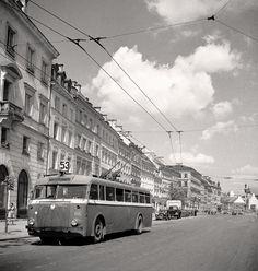 Krakowskie Przedmieście z trolejbusami