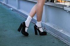 We love the Queen of Coney Island Carmen-Lana del Rey Sock Shoes, Cute Shoes, Me Too Shoes, 70s Shoes, Street Snap Fashion, Mode Hipster, Three Days Grace, Socks And Heels, Mode Vintage