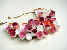 Gioielli di carta per Abilmente fiera 2015, atelier del bijoux. Collana rosso rosa. Paper jewelry , red, pink statement necklace.. by Alessandra Fabre Repetto