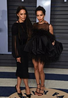 Easy on the eyes: Big Little Lies actress Zoe Kravtiz and her The Cosby Show actress mother Lisa Bonet, looked like they could sisters when they hit the Vanity Fair Oscar bash on Sunday Lisa Bonet, Zoe Kravitz, Mom Body, The Cosby Show, Star Wars, Celebrity Kids, Celebrity Daughters, Mommy And Me Outfits, Mom Daughter