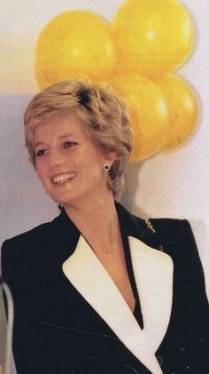 10 x Diana Princess of Wales UNSIGNED photographs OFFER #2
