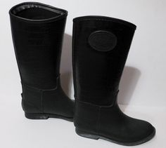 In NYC we never tire of the color black! These Chooka black rubber boots are loaded with NYC style!
