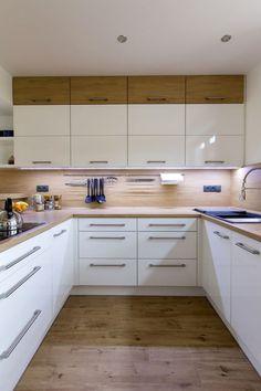 Wood Worktop Kitchen, Kitchen Slab, Kitchen Flooring, New Kitchen, Kitchen Cabinets, Kitchen Room Design, Modern Kitchen Design, Kitchen Interior, Mason Jar Kitchen Decor