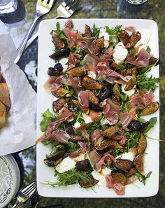 A spectacular summer appetizer that's easy to put together: Grilled Figs Prosciutto and Burrata # Elegant Appetizers, Italian Appetizers, Appetizer Recipes, Cold Appetizers, Easy Summer Appetizers, Fig Appetizer, Fig Recipes, Italian Recipes, Cooking Recipes