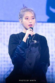 191102 IU at 'Love Poem' concert in Gwangju. Seulgi, Nayeon, Snsd, Iu Twitter, Fandom, Moon Lovers, Gwangju, My Wife Is, Love Poems