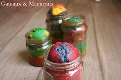 Colorati, semplici e XXL: i #muffin #arcobaleno 🌈 per una #merenda originale. Lascia un commento sul blog!!!! Macarons, Cupcake, Picnic, Muffin, Sugar, Blog, Brioche, Cupcakes, Macaroons
