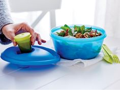 Hitting the road? Fill your cooler with healthy options in our Salad on the Go Set!  This unique, all-in-one container snaps together for the ultimate in convenience.