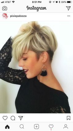 Tendance Coupe & Coiffure Femme Description I really need my bangs to lay like these! Cute Short Haircuts, Cute Hairstyles For Short Hair, Short Hair Cuts For Women, Pretty Hairstyles, Pixie Haircuts, Short Stacked Hairstyles, Ladies Hairstyles, Winter Hairstyles, Short Cuts