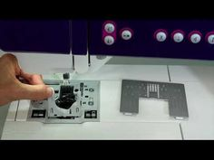 Learn how to properly clean the Pfaff creative sewing and embroidery machine. View other free video tutorials on the Pfaff creative sewing and embroi. Sara Online, Embroidery Techniques, Free Sewing, Machine Embroidery, Quilting, Tutorials, Cleaning, Make It Yourself, Creative