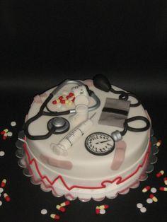 Medical cake - so cute! maybe a nurse's cake Ambulance Cake, Pharmacy Cake, Medical Cake, Retirement Cakes, Retirement Parties, Doctor Cake, School Cake, 21st Cake, Holiday Cakes