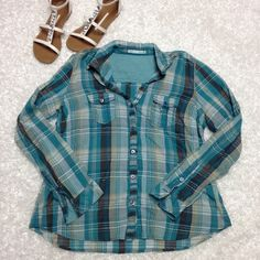 Maurices blue green button up XL Worn once or twice, excellent condition, very soft and light weight, has two pockets, no missing buttons, no flaws, no trades Maurices Tops Button Down Shirts