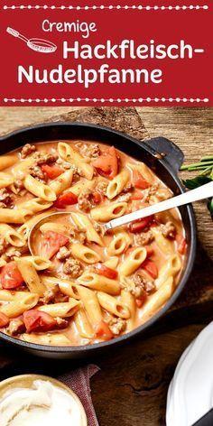 Leckere Penne in einer herrlich cremig-würzigen Sauce mit Hackfleisch und Tomaten.