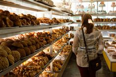 Panaderia in La Condesa, Mexico City. Indoors but so yummy Mexican Sweet Breads, Mexican Food Recipes, Mexico People, Tapas, Mexican Celebrations, Pan Dulce, México City, Bakery Cafe, Best Places To Eat