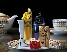 The Berkeley London designer afternoon tea, Prêt-à-Portea, is inspired by the themes and colors of the fashion world. The menu is transformed every six months to follow the changing seasons in fashion.
