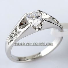 A1-R024 Solitaire Engagement Wedding Ring 18KGP Swarovski Crystal Sz 5.5-10