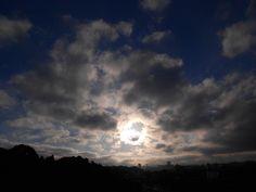 Foto de Luiz de Campos Jr. Julho/2013 sp, 8h00 - sol 11câncer41; lua minguando em 19touro7. enquanto isso, aqui na terra... estiou! bonsdias (: — em Butanta, Sao Paulo.(sic)