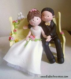 Polymer Clay Figures, Polymer Clay Dolls, Fondant Figures, Polymer Clay Projects, Clay Crafts, Fondant People, Bride And Groom Cake Toppers, Cute Clay, Clay Ornaments
