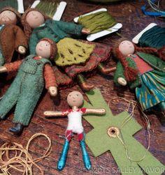 Posts about Wee Folk written by Salley Mavor Tiny Dolls, Soft Dolls, Dollhouse Dolls, Miniature Dolls, Dollhouse Clothing, Fabric Dolls, Paper Dolls, Clothespin Dolls, Doll Tutorial
