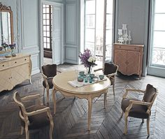 Awesome Rustic Dining Room Furniture : Rustic Dining Room Sets With Herringbone Hardwood Floors Dining Room Furniture Design, Outdoor Dining Furniture, Rustic Furniture, Furniture Ideas, Furniture Makeover, Modern Furniture, Planchers En Chevrons, Woven Dining Chairs, Dining Table
