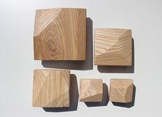 Facet-Olive-Ash-Sculptural-Wall-Mounted-Hanger-Spokeshaved-4.jpg (580×421)