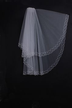 Two-tier Tulle Scalloped Edge Elbow Length Wedding Veil With Two-lines Beadings
