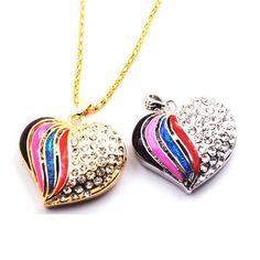 Pendrive Personalizado Jóia - Coração Colorido com pedras brilhantes R$73.90
